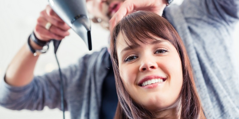 Haarverlängerung mit Hairweaving-Technik
